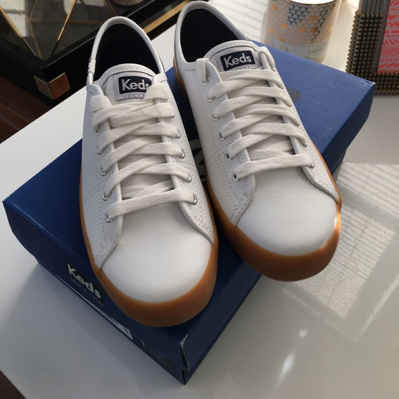 Keds Shoes - Keds Ave Leather with White/Gum Sole