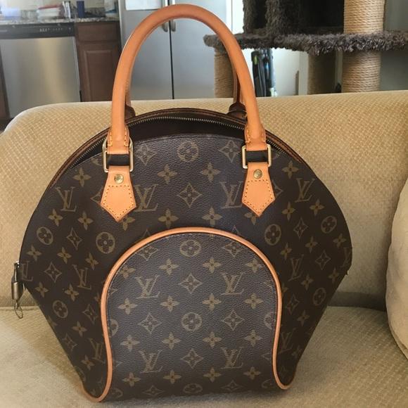 69df5a6a5fa Louis Vuitton Handbags - 💥SALE Authentic Louis Vuitton Ellipse MM