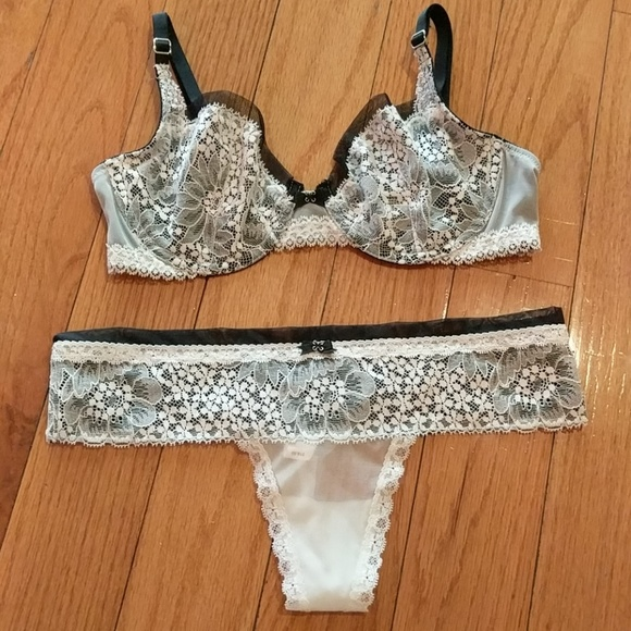 2b88ec13f53a6 Victoria's secret lace mesh dream bra set nwt new NWT