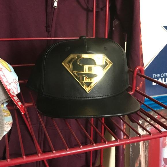 7c330f245eac44 superman Accessories | Black Gold Leather Snapback Hat Emblem Ca ...