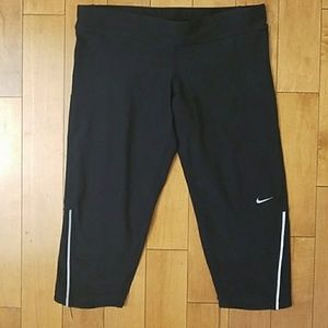 Black Nike Dri-Fit Running Capri Leggings