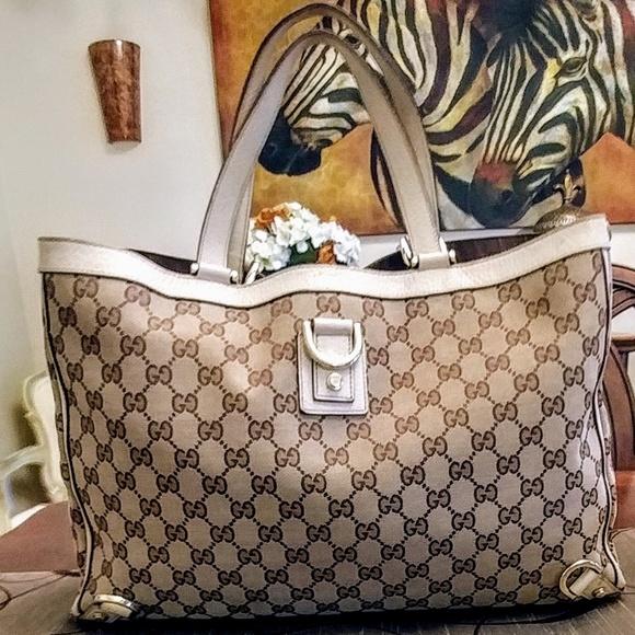 dce820c1d56a Gucci Handbags - 💯% Authentic GUCCI Abbey Monogram Tote 👜