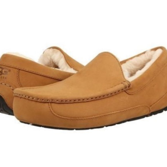 9ff6634d2 UGG ASCOT Leather Slip On Shearling Lined Slippers