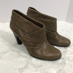Sofft brown booties tan size 10 leather