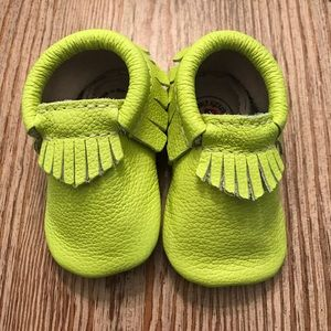 Electric palm Sz 2 freshly picked moccasins