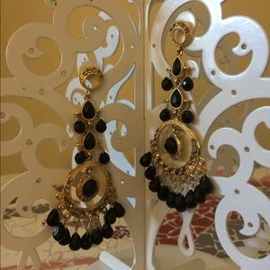 Jewelry - Gold chandelier black beaded earrings