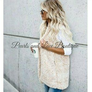 Jackets & Blazers - 🆕🍁Sherpa Hooded Vest