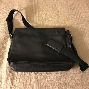 8fa0cf168de2 Banana Republic Bags - Leather Men Messenger Bag