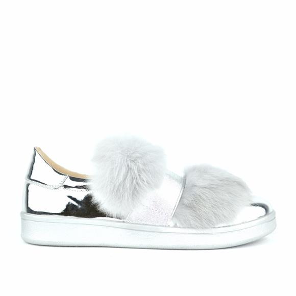 Chase & Chloe Celine Faux Fur Lace-Up Sneaker 8buHKpf