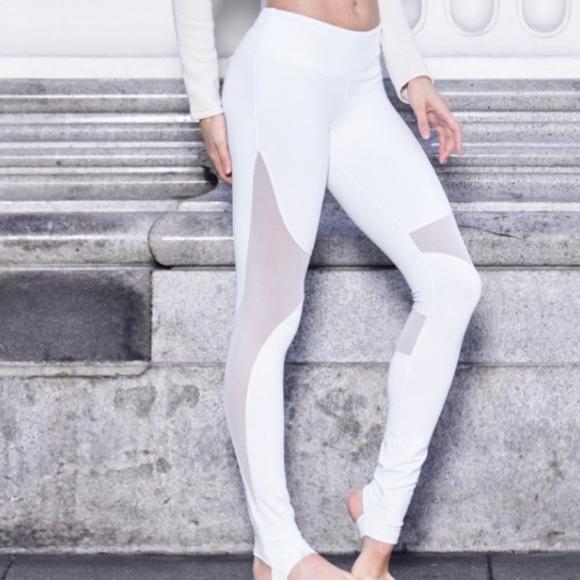 c69a628be5048 ALO Yoga Pants - ALO YOGA COAST LEGGINGS |WHITE | SMALL| BRAND NEW