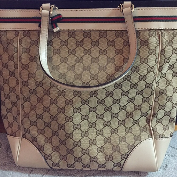 020e3b3f51b Gucci Handbags - 100% Gucci Mayfair Medium Tote