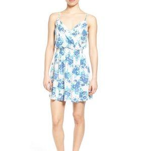 Dresses & Skirts - Frenchi Surplice Slipdress White &a floral XS