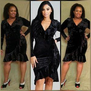 Dresses & Skirts - 💖Plus Size Velvet Faux Wrap Dress 💖