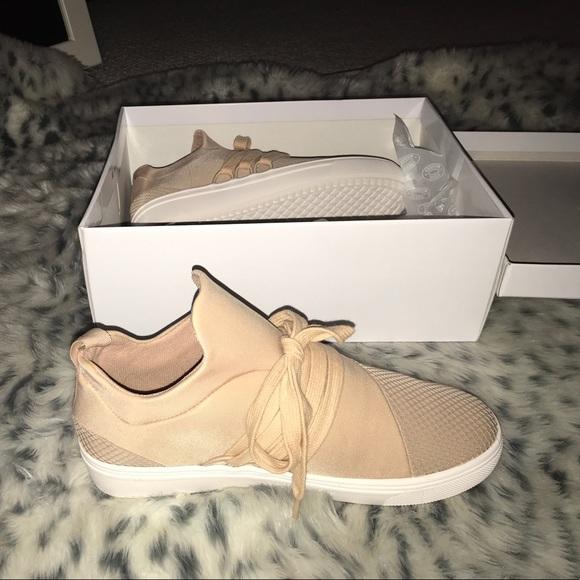 819fa991e7f Steve Madden Lancer Shoe in Blush size 7.5 NWT