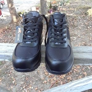 Mountain Gear Hiking Boots Men's Size 8