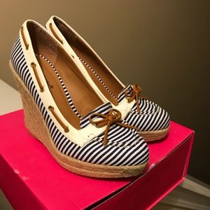 Shoedazzle boat wedges