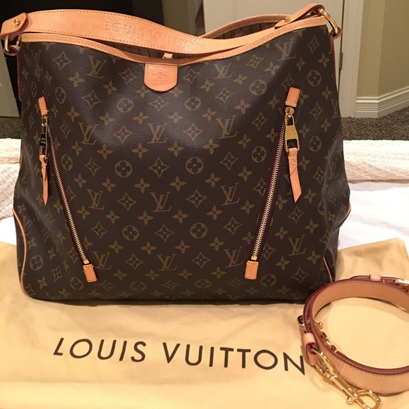 a0cf2b165b4b Louis Vuitton Handbags - Louis Vuitton Monogram Canvas Delightful GM