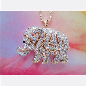 New Crystal gold rhinestone elephant necklace🐘