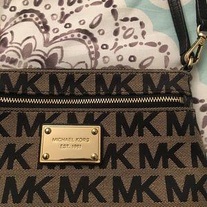 MICHAEL Michael Kors Bags - MICHAEL Michael Kors Signature Wristlet