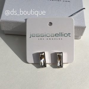 🎉HP🎉 Swarovski crystal baguette earrings