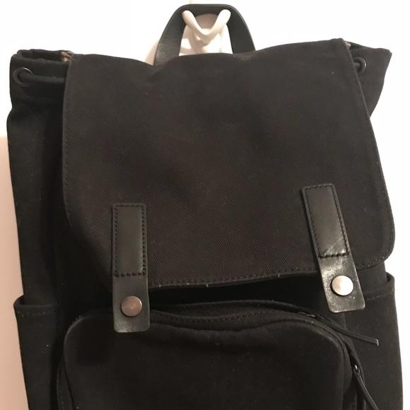 Everlane Handbags - Everlane - The Modern Snap Backpack Black ac0f53dacaebd