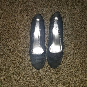 Shoes - Black ruffle heels