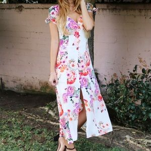 Dresses & Skirts - white floral dress
