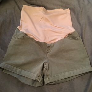 Maternity shorts with over the belly band