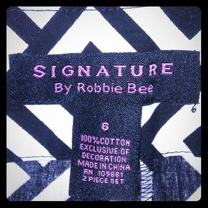 Signature by robbie bee