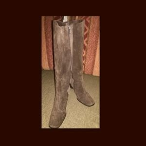 Ladies suede knee high bootz
