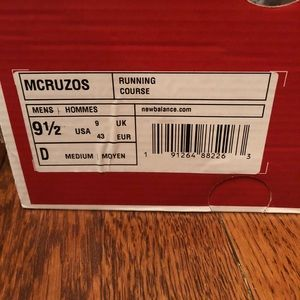 Never worn New Balance Mcruzos