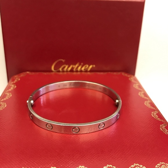 87abdbcd2f2b6 Cartier 18k White Gold Love Bracelet 18 cm