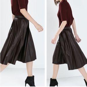 *NEW* Zara black leather skirt