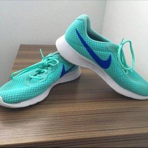 Nike Tanjun Teal Aqua, White & Royal Blue Sneakers
