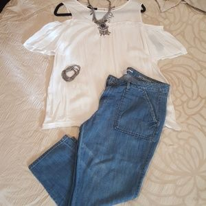 Capri jeans and top
