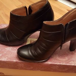 Sofft Black Leather Booties