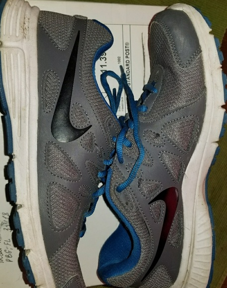 Nike Shoes | Air Revolution 2 Size 8