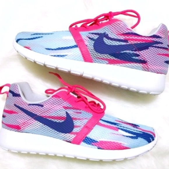 a0b3d7fe7c55 Nike Roshe one flight weight women s shoes size 8