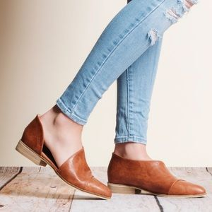 Shoes - Cut Out Cognac Flats