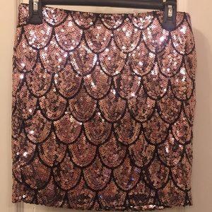 Dresses & Skirts - Rose gold skirt