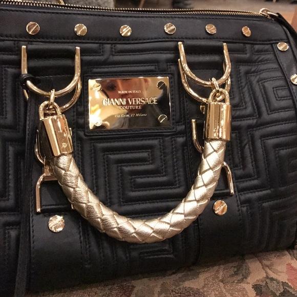 8c85a7ad7f Gianni Versace Medusa Madonna Leather Bag Preloved