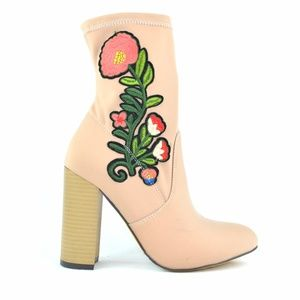 Chase & Chloe Gilbert Nude Floral Ankle Bootie