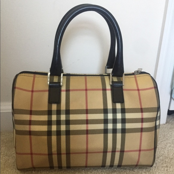 e4dccc10e27a Burberry Handbags - Guc Burberry nova check bowling bag