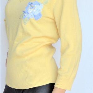 🔴Emma James yellow sweater