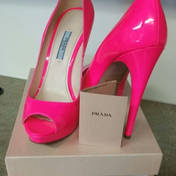 67692cfeab0 ... pink peep toe pumps!!!! M 59f0e6bef0137df2e401f00c