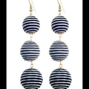 Jewelry - Thread Ball Earrings