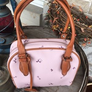 Petusco leather bag.