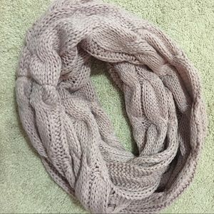 Accessories - Cable knit Infinity Scarf