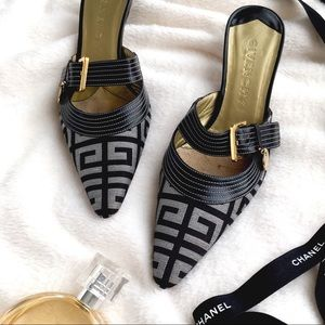 FINAL SALE Givenchy Mules
