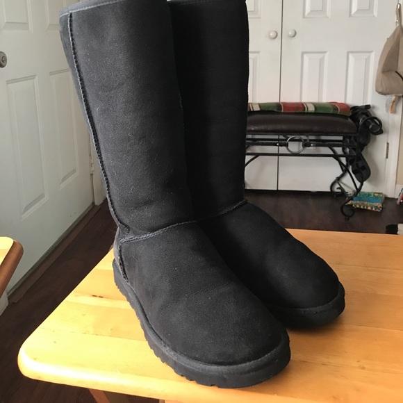 dc52b38b4f9 UGG Australia ladies boots size 9